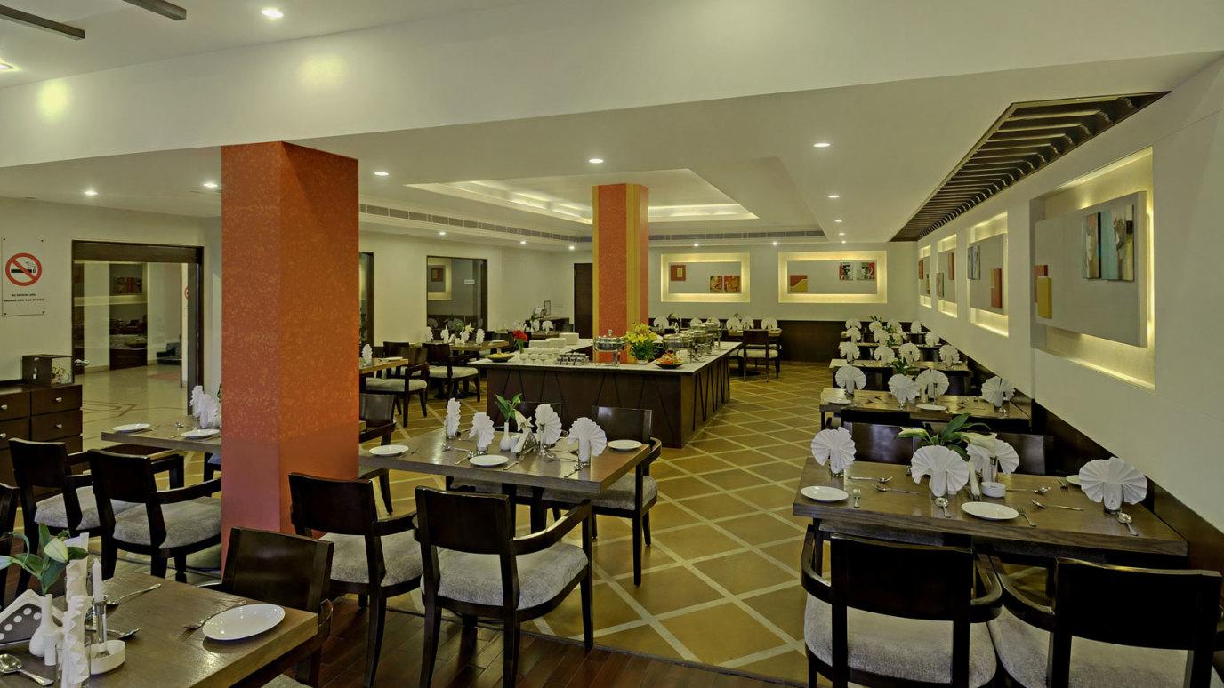 Restaurant-Interior-11-e1429182290993